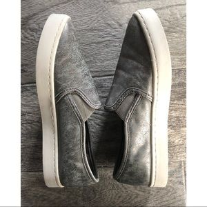 Report Silver Brushed Slate Slip On Sneakers